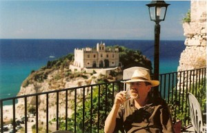 Tropea_view_of_Monastery_and_sea